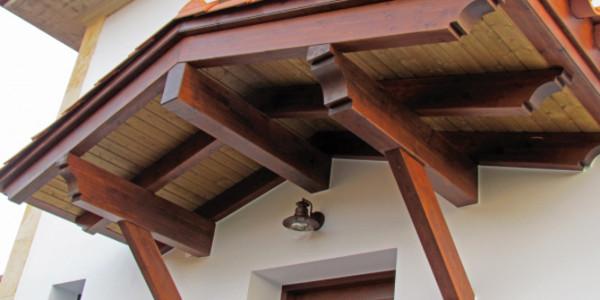 Detalle tejado entrada