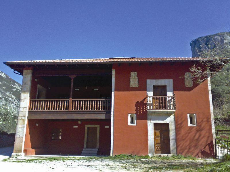 Fachada Casa Barcena