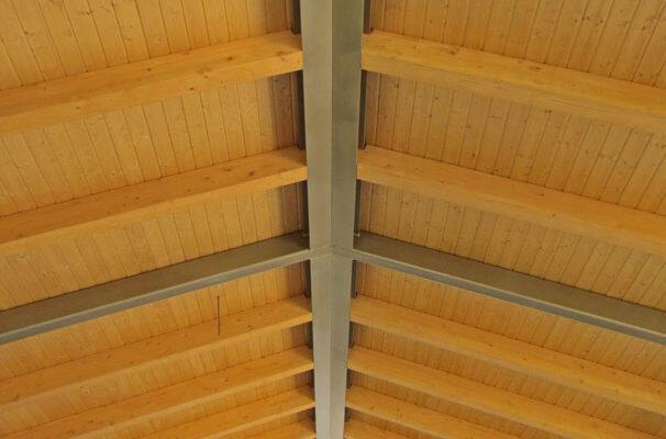 estructura metalica y madera techo